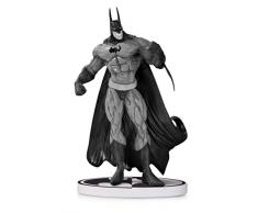 DC Collectibles Batman: Black & White: Batman by Simon Bisley Second Edition Statua