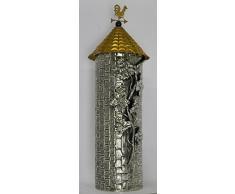 Cocherel porta grissini in argento sbalzato, cesellato; Tetto-coperchio in argento sbalzato, cesellato e dorato; Il galletto segnavento in argento dorato sovrasta una sferetta in lapislazzulo. argento 925/000 gr. 468; altezza cm 29