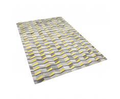 Tappeto in pelle grigio / giallo 140 x 200 cm BELOREN