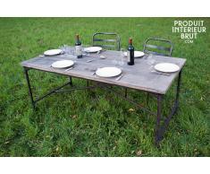 Tavolo in legno in stile vintage
