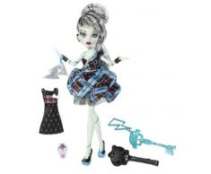 Mattel W9190 - Monster High Bambola, Compleanno da Paura, Frankie Stein
